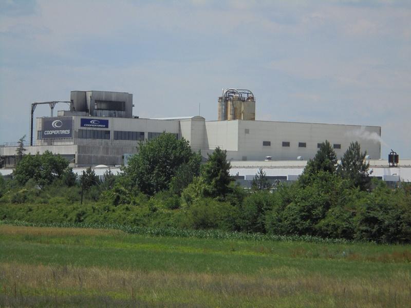 Američka firma koja posluje u Kruševcu Coopertires radnicima povećala plate za vreme vanrednog stanja